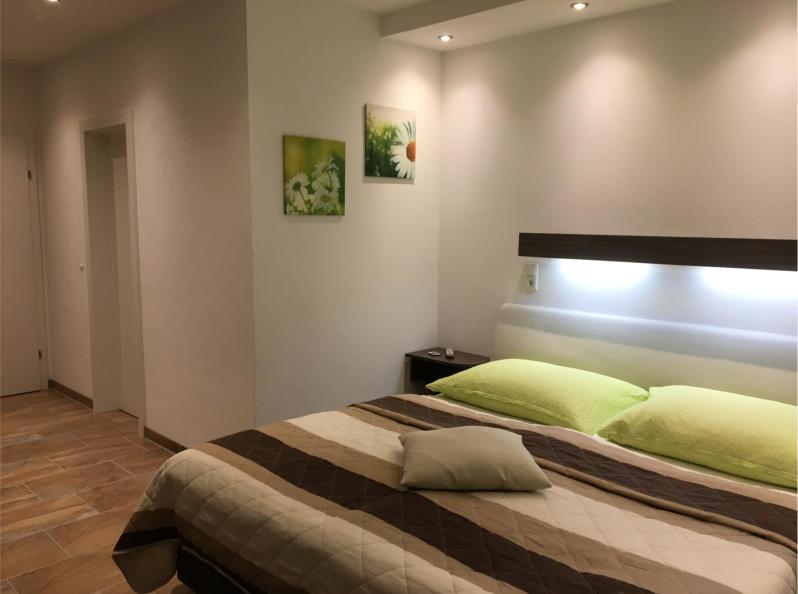 Zimmer 2 - Schlafzimmer