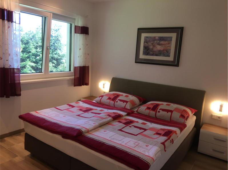 Apartment 4 - Schlafzimmer 1